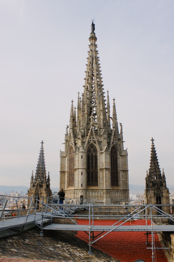 Auf dem Dach der Kathedrale - über den Dächern Barcelonas.